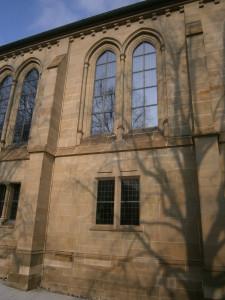 Kirchenfenster mit Schutzverglasung