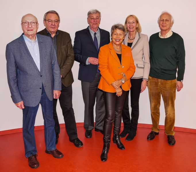 03-2017 X Vorstand mit weißHG